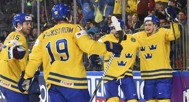 Sweden powers past Finns